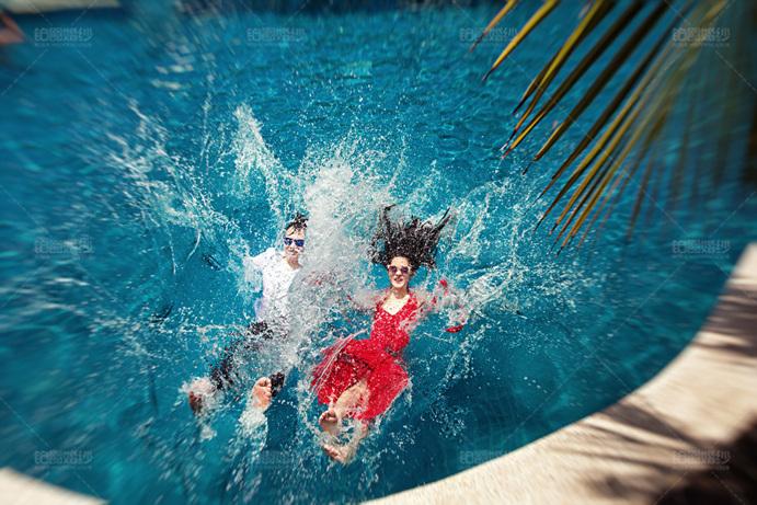 马尔代夫05月客照之水中嬉戏