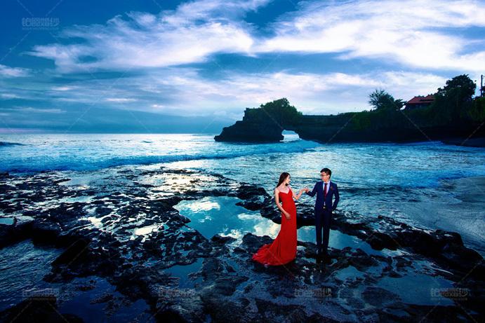 巴厘岛04月客照之牵手涉水