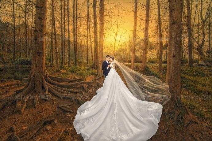 梦幻般的森系婚纱照图片 拍婚纱照要注意这些