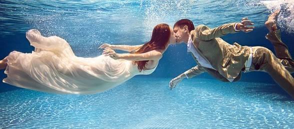 水中拍摄婚纱照怎么拍