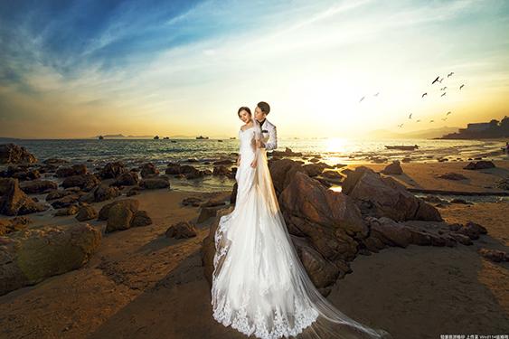 拍婚纱照时新人如何与化妆师交流