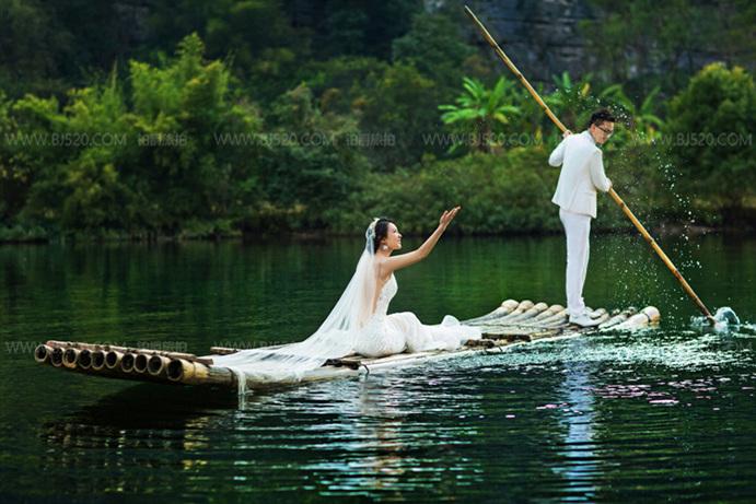 搞怪婚纱照也可以拍的很幸福