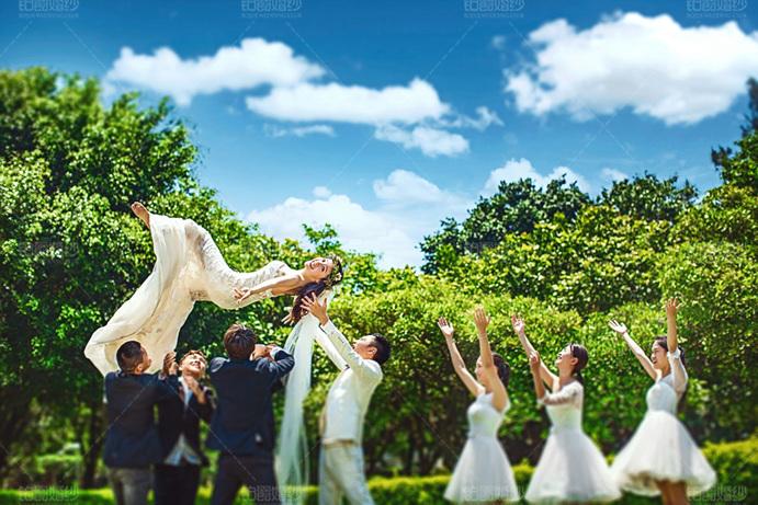 厦门婚纱照一般多少钱?铂爵旅拍婚纱摄影多少钱?