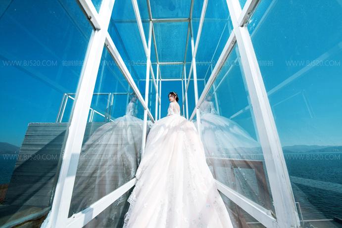 冬天怎么拍好外景婚纱照 冬季外景婚纱摄影技巧