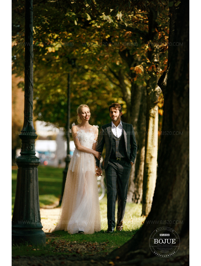 丽江拍婚纱照要多少钱 该怎么选择婚纱摄影机构