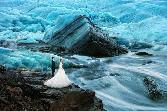 水下婚纱照该怎么拍 婚纱摄影哪家好