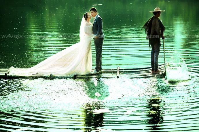拍婚纱照表情如何做到位 如何笑得自然?