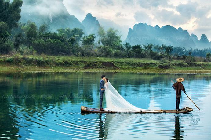 拍婚纱照可以用什么道具?气球和植物了解一下