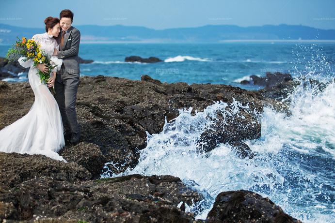 拍婚纱照怎么选择服装 普吉岛婚纱摄影攻略