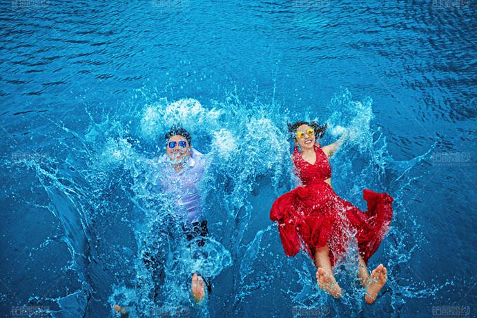 拍水下婚纱照要多少钱 青岛婚纱摄影攻略