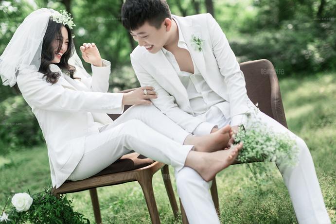 拍婚纱照眼神很重要 让你遇见对的人