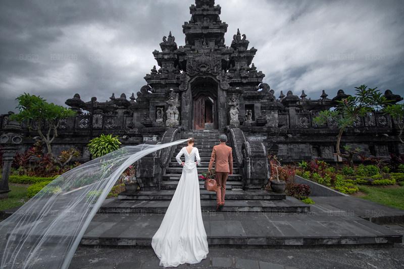 巴厘岛旅拍婚纱照的甜蜜记忆