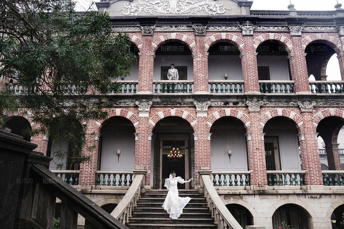 婚纱照拍摄姿势怎么摆 厦门旅拍婚纱摄影攻略