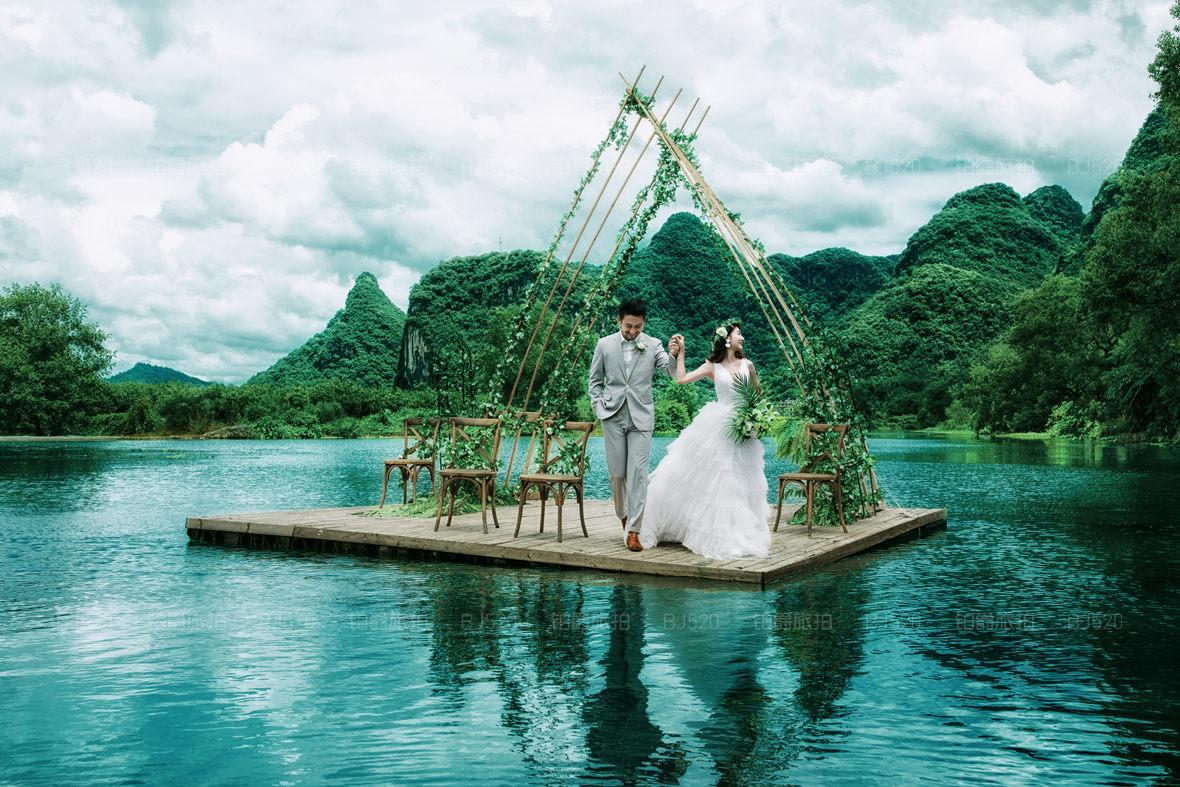 桂林漓江婚纱照价格为多少 婚纱照怎么摆姿势比较好看呢