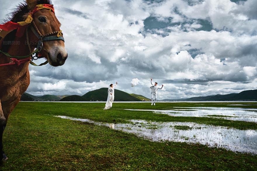 一个人穿婚纱拍写真有哪些讲究,个人写真也能够拍的很好看!