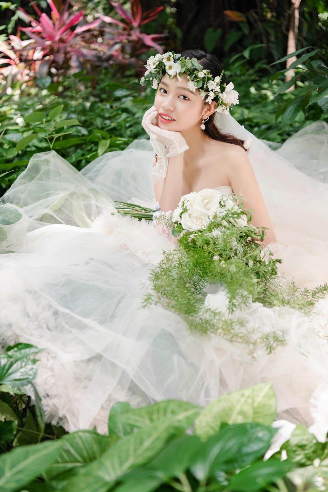 铂爵旅拍婚纱照 在西双版纳铭刻幸福记忆